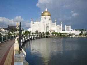 Brunei Bandar Seri Begawan La Moschea Omar Ali Saifuddien
