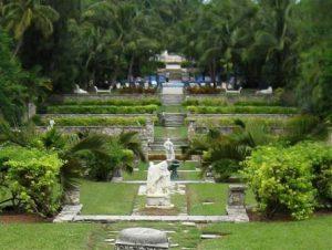 Bahamas Nassau Versailles Gardens