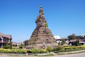 Laos Vientiane That Dam