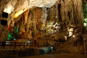 gibilterra-la-grotta-st-michael-di-gibilterra