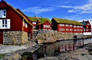isole-faroe-torshavn-il-palazzo-tinganes-di-torshavn