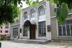 nagorno-karabakh-stepanakert-il-museo-della-storia-locale-artsakh-di-stepanakert