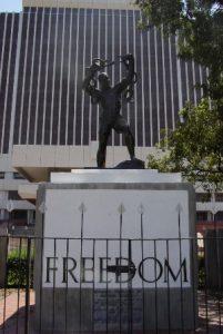 zambia-lusaka-la-statua-della-liberta-di-lusaka