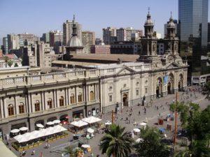 Cile-Santiago-del-Cile-La-Plaza-de-Armas-di-Santiago.jpg