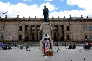 Colombia-Bogotá-La-Piazza-Bolívar-di-Bogotá.jpg