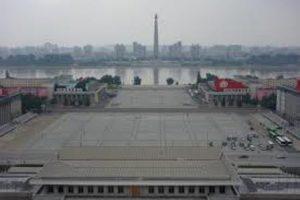 corea-del-nord-pyongyang-la-piazza-kim-il-sung-di-pyongyang