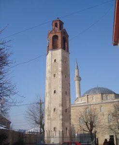kosovo-pristina-la-torre-dellorologio-di-pristina