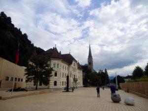 liechtenstein-vaduz-la-piazza-principale-di-vaduz