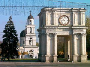 moldavia-chisinau-larco-di-trionfo-di-chisinau