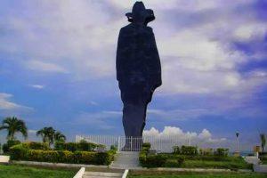 nicaragua-managua-la-statua-di-sandino-di-managua