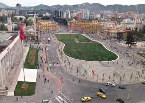 albania tirana piazza-scanderbeg-di-tirana