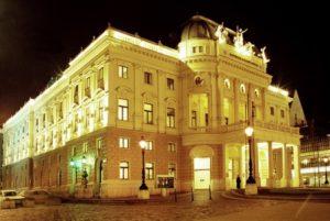 slovacchia-bratislava-il-teatro-nazionale-slovacco