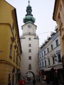 slovacchia-bratislava-la-porta-di-san-michele-di-bratislava