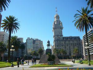 uruguay-montevideo-la-piazza-dellindipendenza-di-montevideo