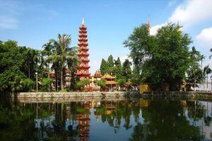 vietnam-hanoi-tran-quoc-pagoda