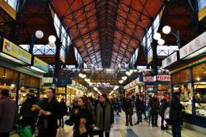 ungheria-budapest-il-mercato-centrale-di-budapest-copia