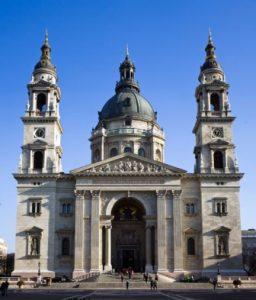 ungheria-budapest-la-basilica-di-santo-stefano-di-budapest-copia